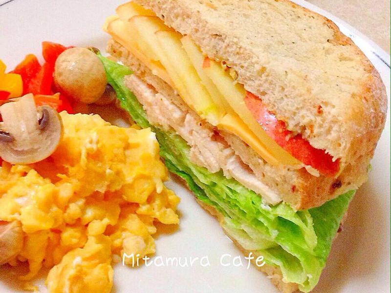 雞肉鮮蔬三明治