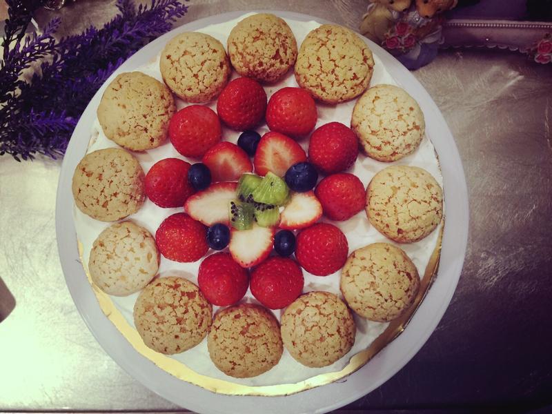 泡芙草莓蛋糕(8吋)生日蛋糕