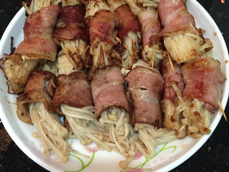 煙肉金針菇卷