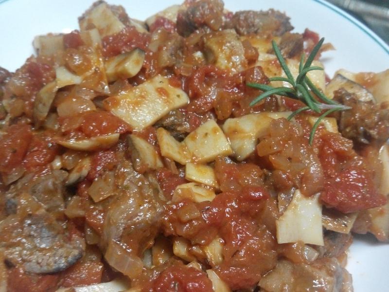 番茄洋蔥燉牛肉佐馬鈴薯泥