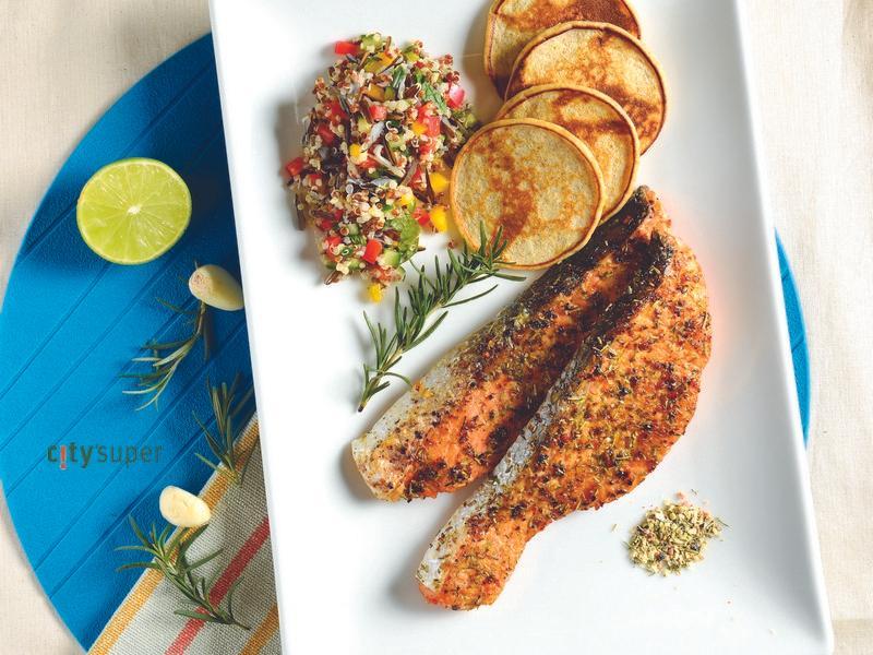 【加拿大美食】鮮鮭搭穀物沙拉及馬鈴薯鬆餅