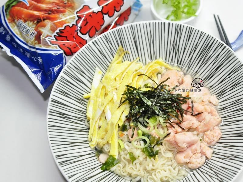 鮭魚海鮮麵[記憶中的味味麵]
