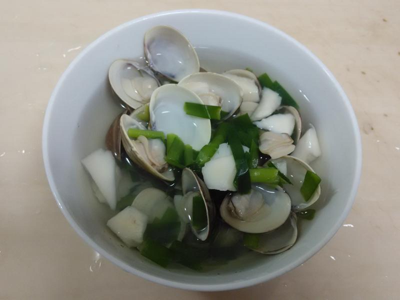 杏包菇蛤蠣湯