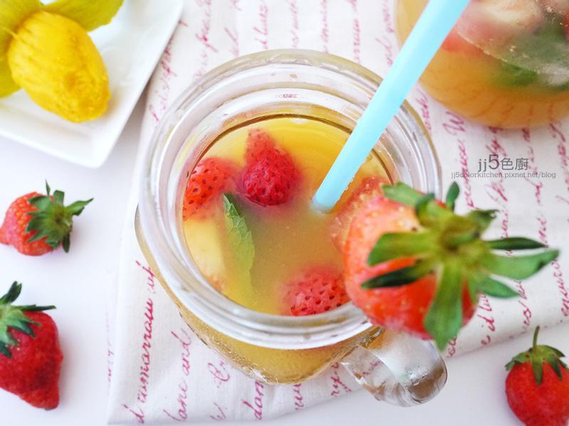 草莓土芒果綠茶【季節限定】