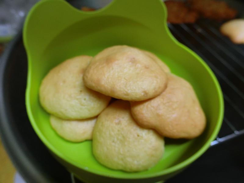 蛋黃鬆餅(烤杏仁片沒用到的蛋黃)
