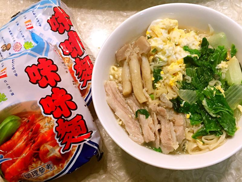 松阪豬菇菇蛋花麵《記憶中的味味麵》
