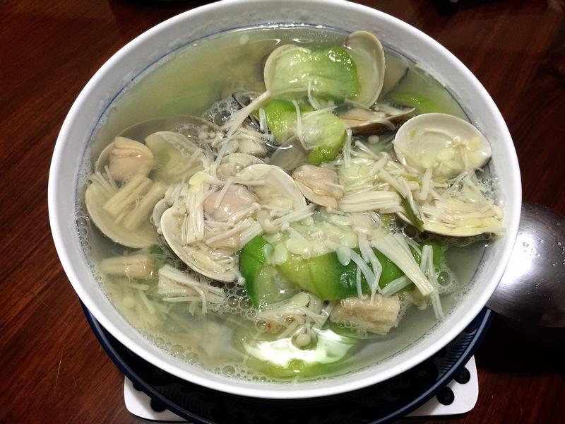 蛤蜊絲瓜金針菇-無油料理