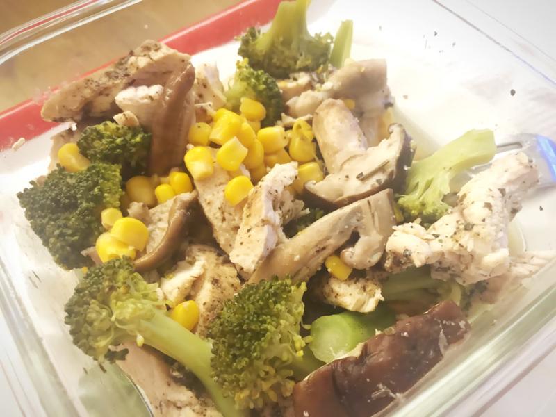 💟電鍋料理💟清蒸雞肉熱沙拉