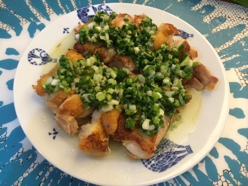 [生酮飲食]簡單超好吃的香煎蔥油雞