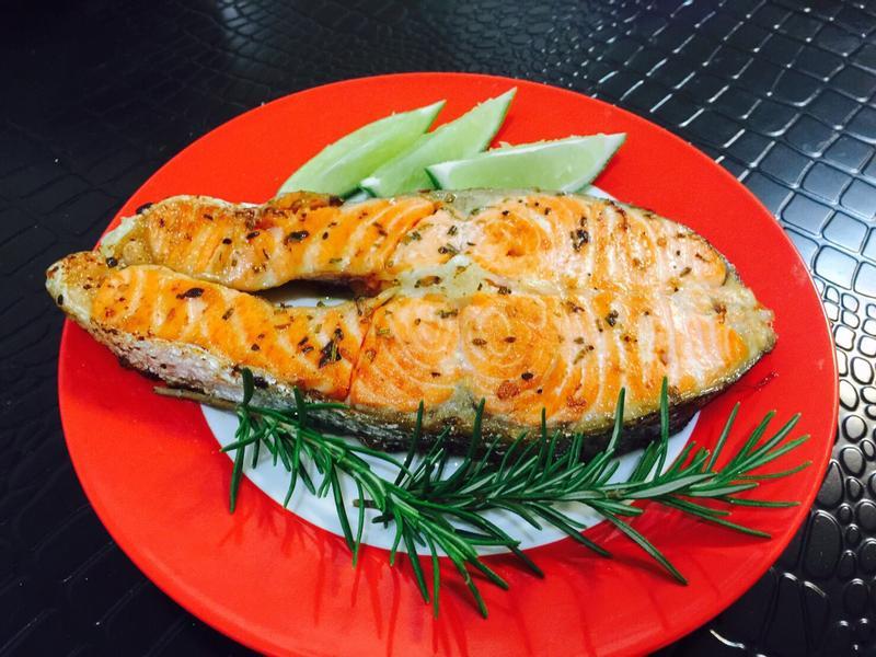 義式煎鮭魚