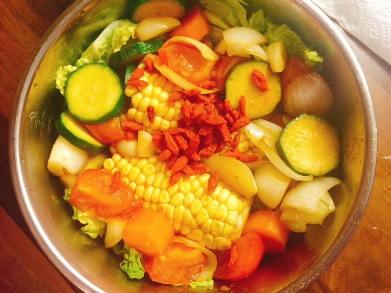 大同電鍋五色蔬菜湯