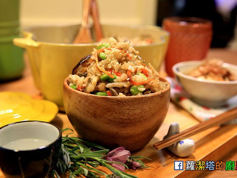 美味的日式五目炊飯