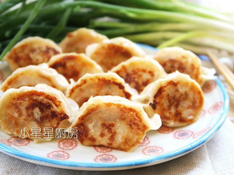 用冷凍水餃做美味煎餃和水煮餃子