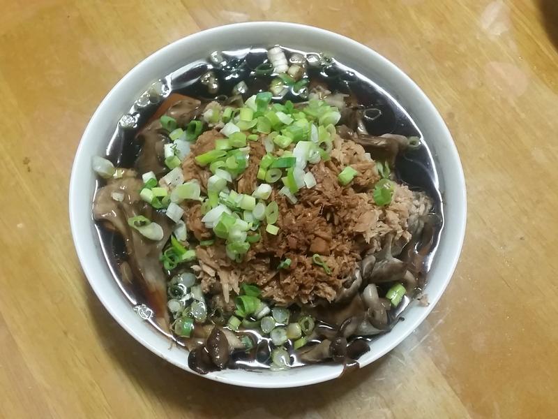 鮪魚舞菇蒸豆腐