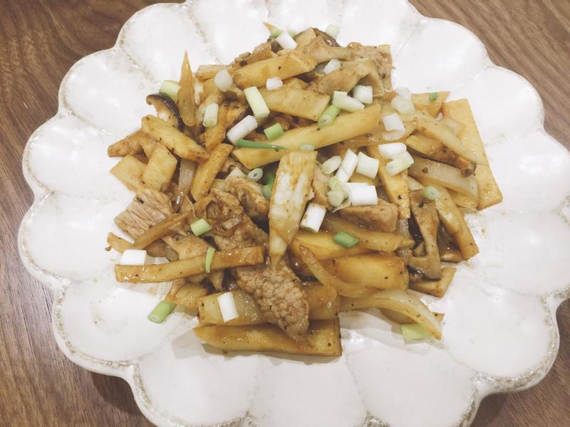 黑胡椒豬肉炒筍片