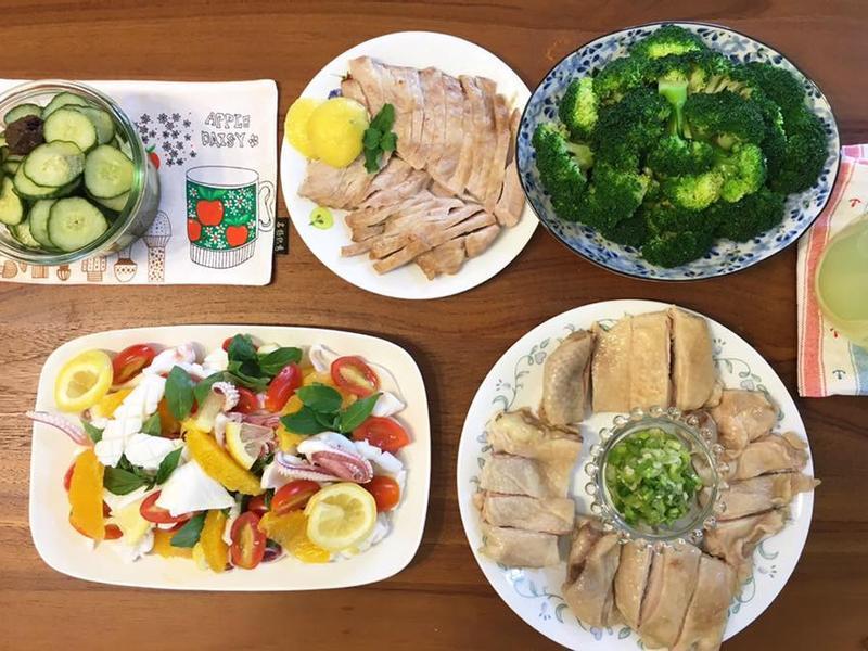 烤松阪豬、蔥油雞(水波爐_一爐多菜)