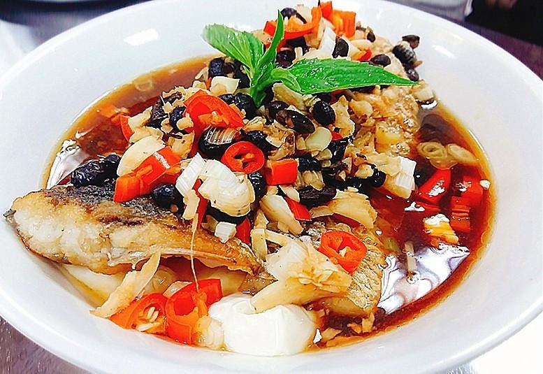 豆腐蒸鱸魚腩