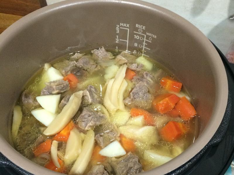 飛利浦萬用鍋煮燉牛肉