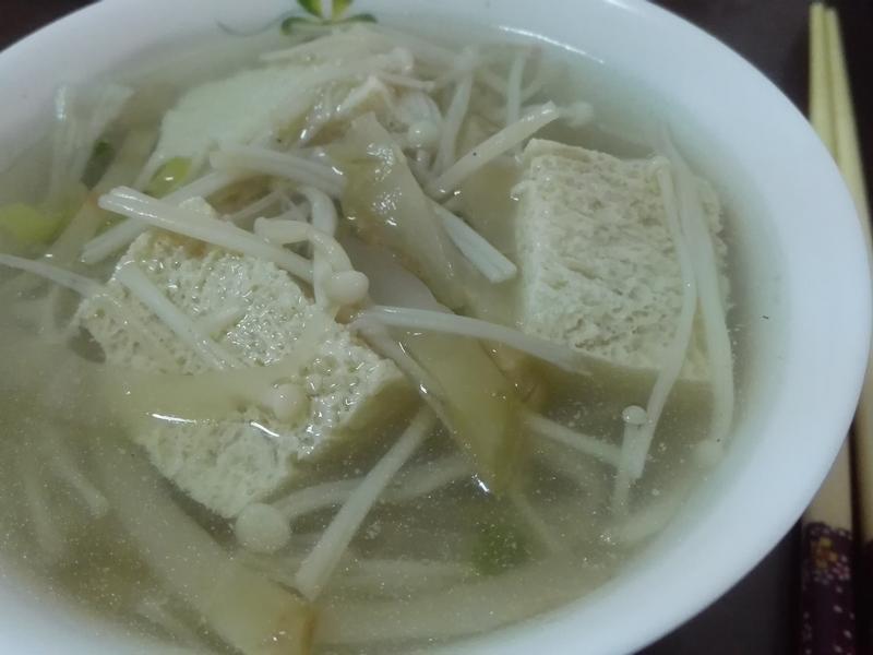 榨菜豆腐湯