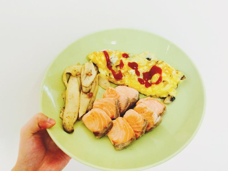 🍳蘑菇歐姆蛋🍄椒鹽杏鮑菇🐟鮭魚排