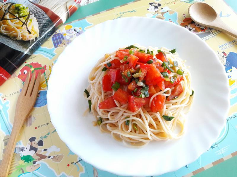 蔥油蕃茄拌麵-五木拉麵