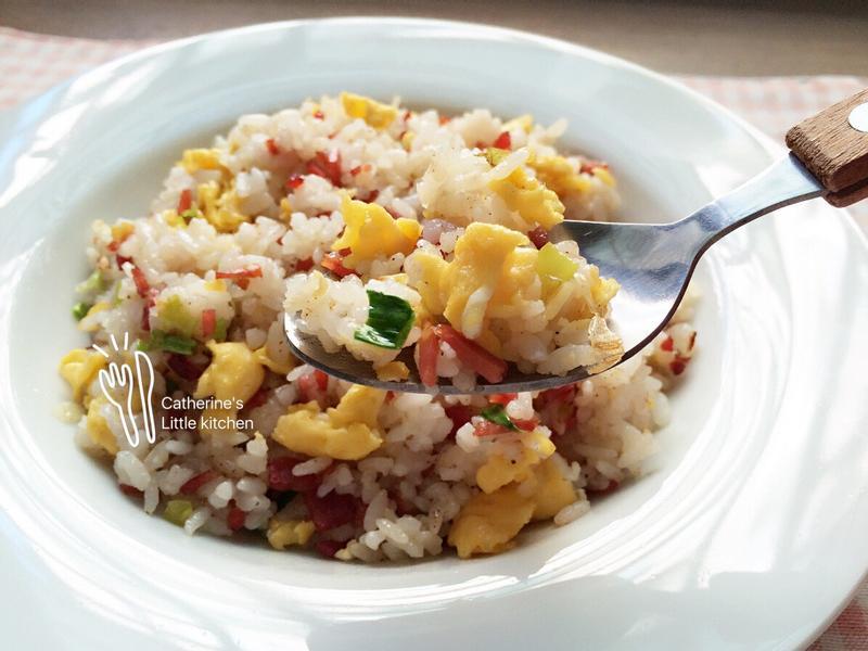 🇹🇼火腿蛋炒飯(無醬油版)