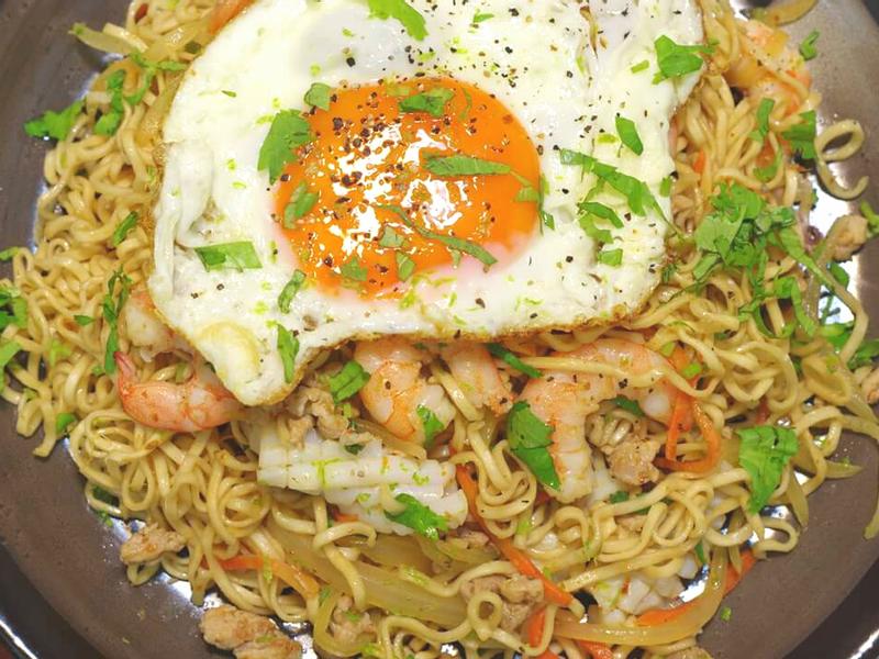 泰式海鮮炒泡麵