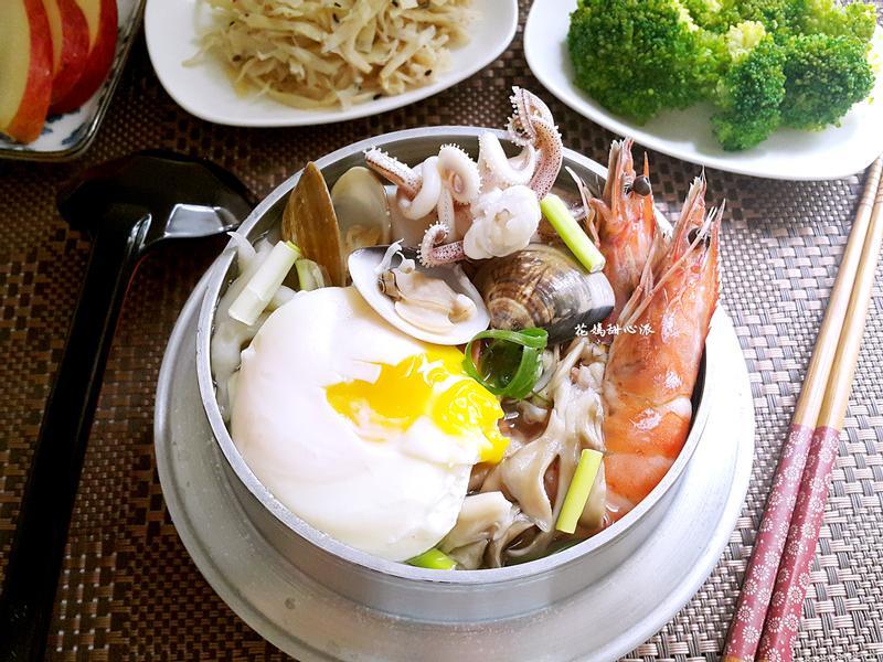 鍋燒海鮮烏龍麵