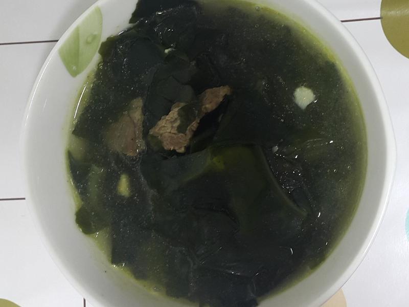 (韓式) 牛肉海帶湯 한우미역국