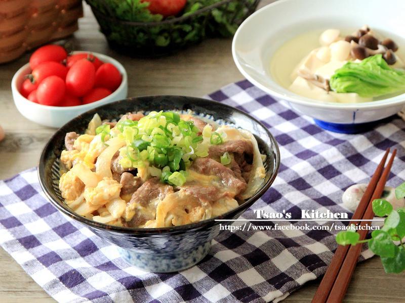 滑蛋牛肉丼配野菇豆腐湯