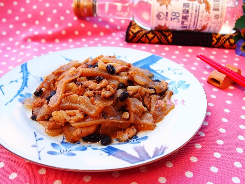 豆豉苦瓜炒五花肉絲-38度金門高粱酒