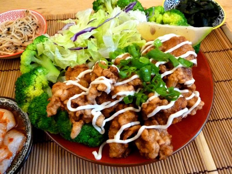 《永新沙拉》日式唐揚雞塊