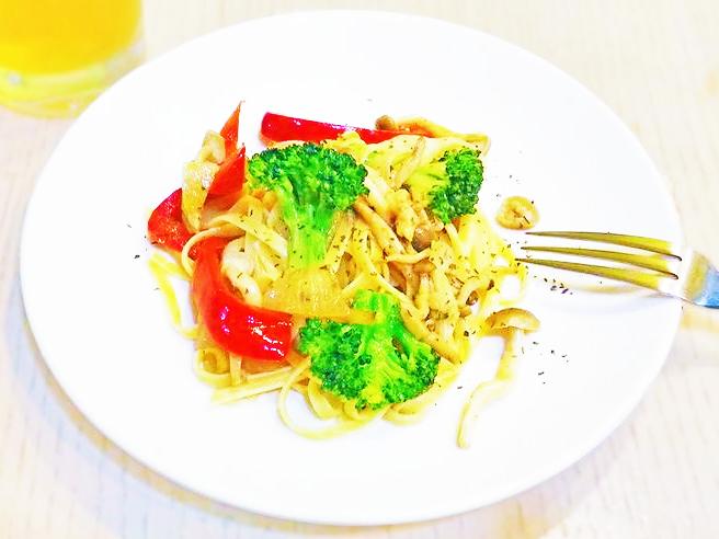 鯷魚蔬菜義大利麵