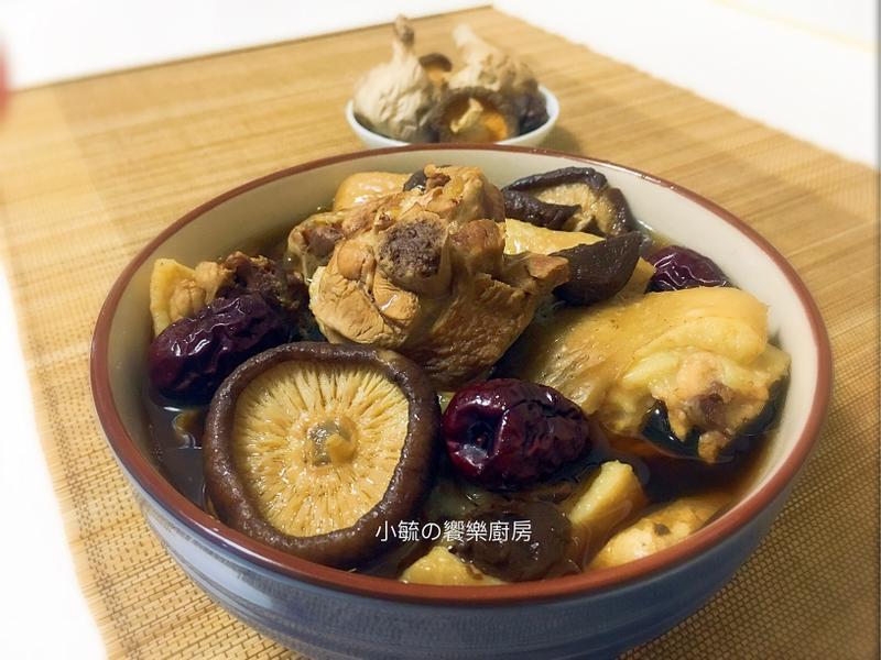 黑蒜頭香菇雞湯 《電鍋料理》