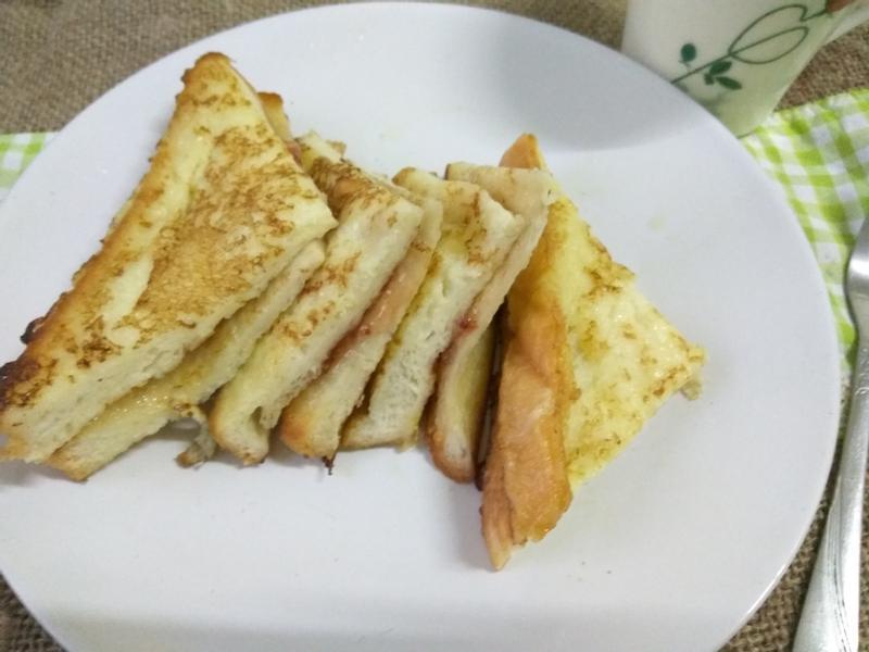5分鐘早餐─草莓果醬法式土司