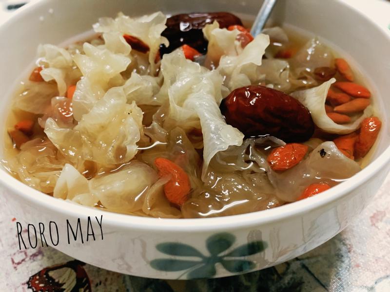 電鍋料理之白木耳蓮子湯