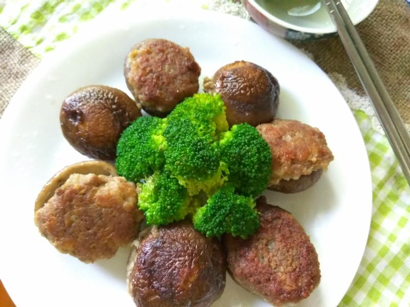 十分鐘上菜─乾煎香菇肉丸