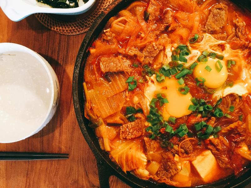 牛小排泡菜鍋