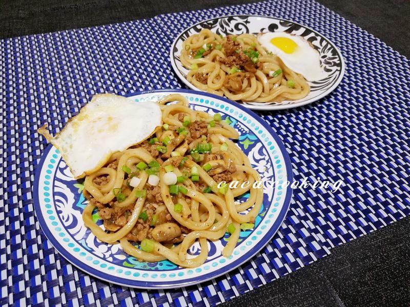 黑胡椒蘑菇烏龍麵