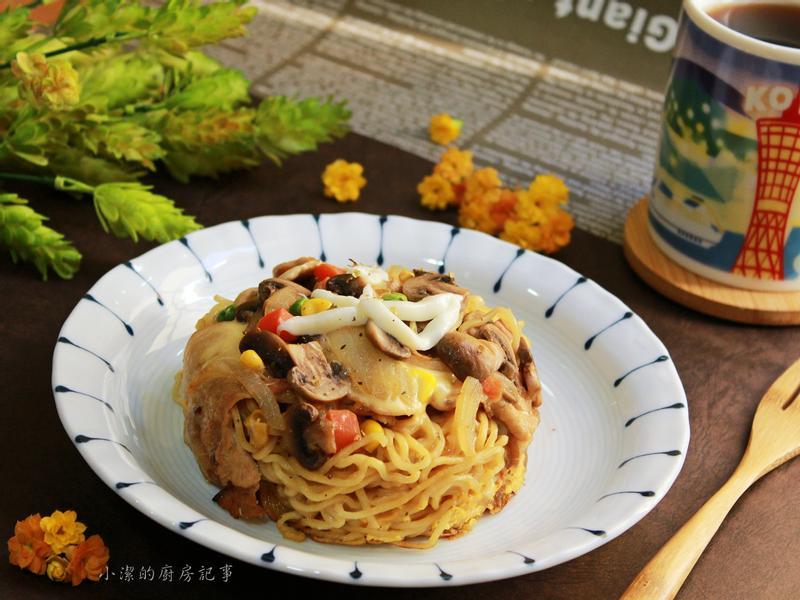 蘑菇起司拉麵燒+菊花茶