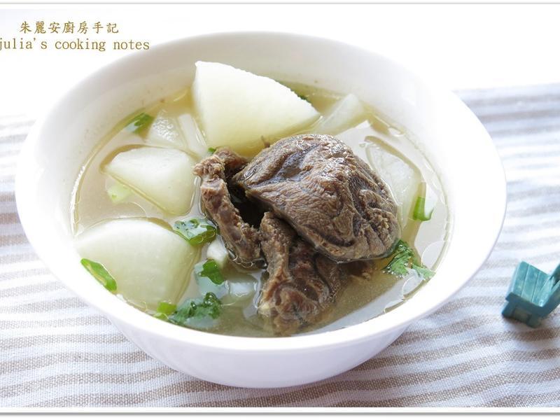 [清燉白蘿蔔牛肉湯] 牛骨湯鮮香味美