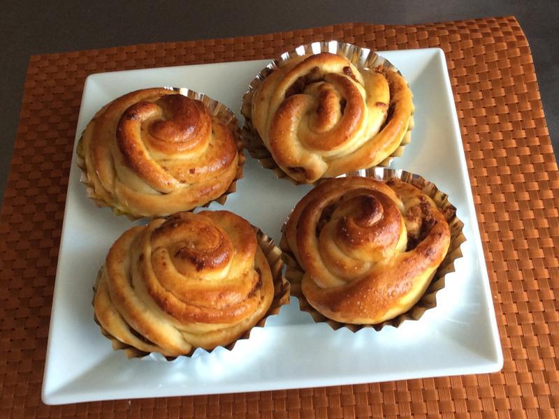 玫瑰花肉鬆麵包
