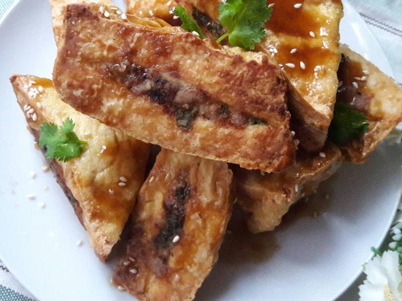 薑香蠔油燴油豆腐鑲肉