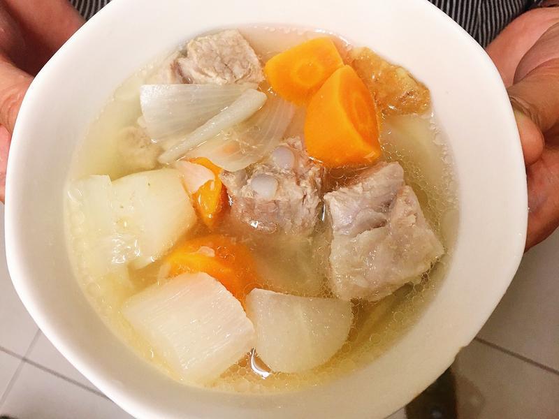 電鍋版蘿蔔排骨湯