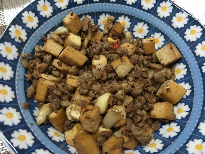 懶人料理~絞肉炒豆乾