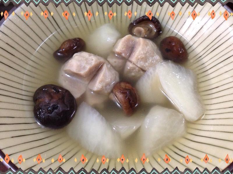 香菇蘿蔔貢丸湯