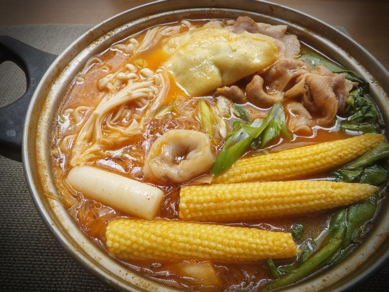 溫暖小家庭♥韓式泡菜鍋