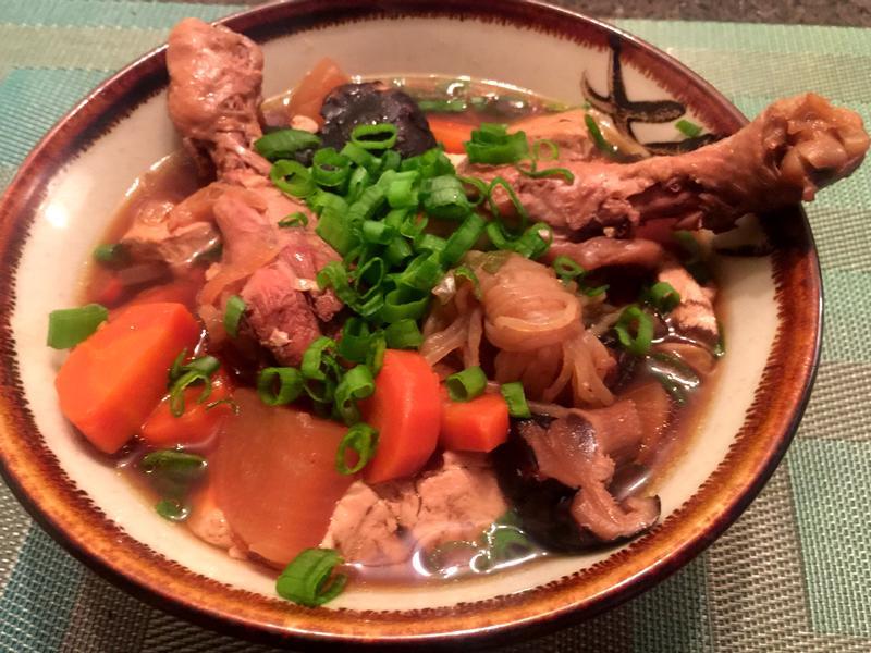 不油不膩。清香入味的滷雞腿與可口配菜