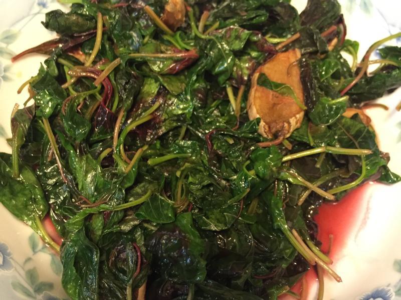 麻油薑炒紅莧菜