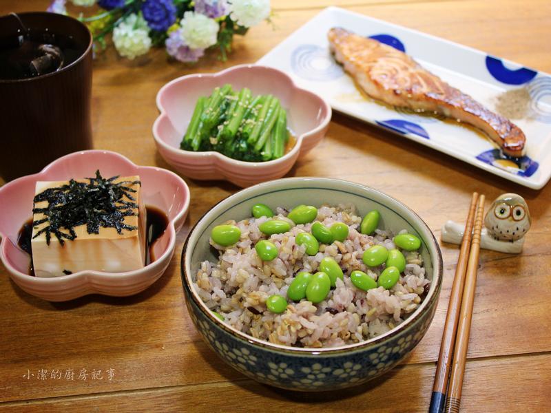 香煎鮭魚毛豆飯